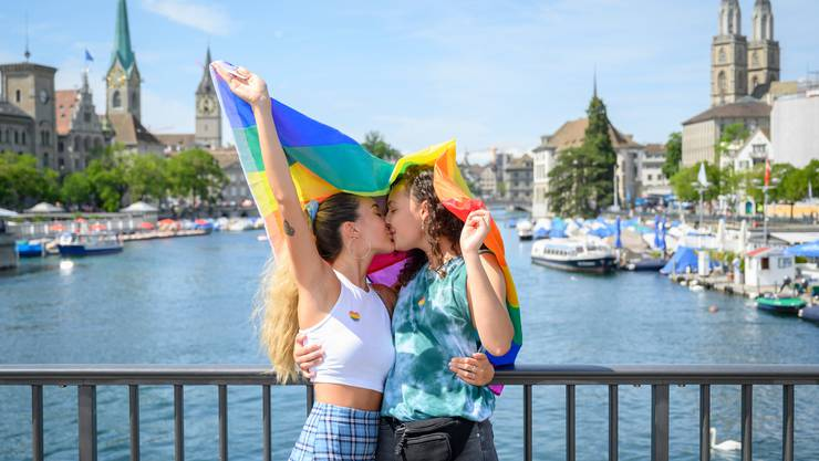 Diskriminierung aufgrund der sexuellen Orientierung soll künftig explizit verboten sein: Aufnahme vom diesjährigen Zürcher Pride Festival.