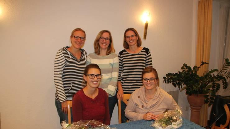 Oben von links nach rechts: Sabina Lindley, Judith Salm, Manuela Smit Unten von links nach rechts: Vanessa Baldinger, Claudia Spuler