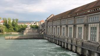 700 Millionen Kilowattstunden Strom für rund 200 000 Haushalte produziert das Rheinkraftwerk Laufenburg heutzutage.