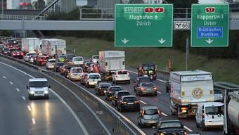 Nächstes Wochenende stimmt die Schweiz über den Nationalstrassen- und Agglomerationsverkehrs-Fonds (NAF) ab. (Symbolbild)