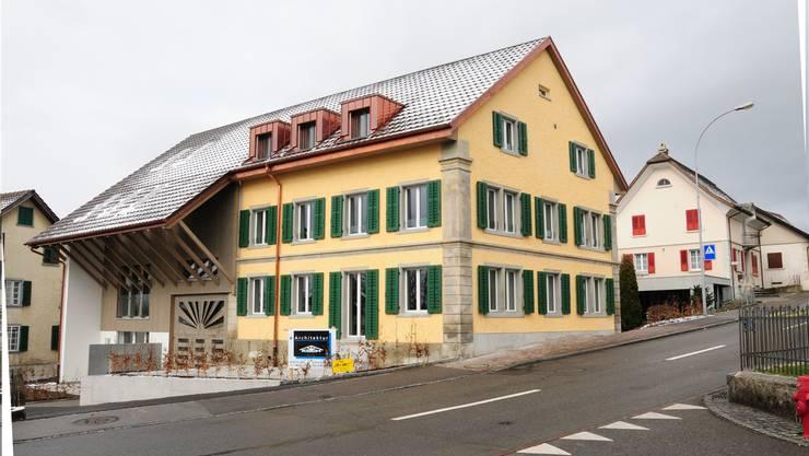 Mit dem stilgerechten Um- und Ausbau des 150 Jahre alten Egli-Hauses haben die Investoren auch einen Beitrag zum Erhalt des Ortsbildes geleistet. Toni Widmer