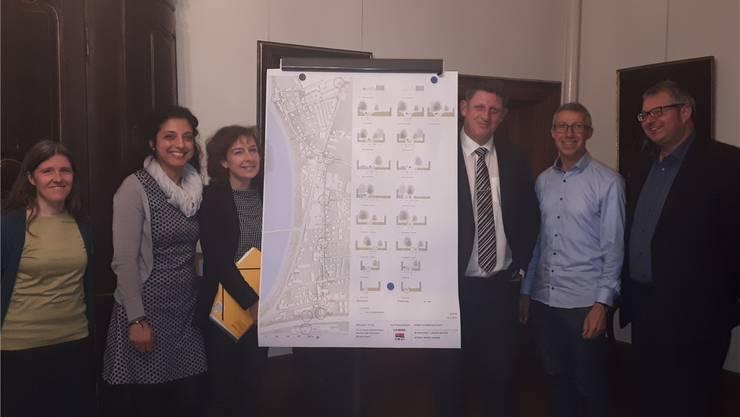Die Verantwortlichen präsentierten die Pläne für den gemeinsamen Fahrradweg im Trompeterschloss.