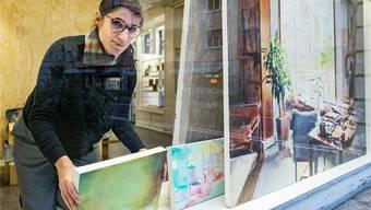 Anja Ganster im Kunstraum DOCK, der für die nächsten Wochen ihr neues Atelier sein wird.