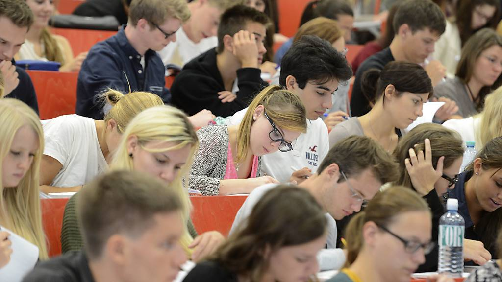 Universitäten schlagen Alarm: Sie kritisieren die von EU-Ratspräsident Charles Michel vorgeschlagenen Budgets-Kürzungen für die künftigen Forschungs- und Bildungsprogramme «Horizon Europe» und «Erasmus+». (Archiv)