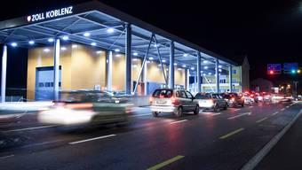 Die vielen Grenzgänger könnten die Schweiz teuer zu stehen kommen.