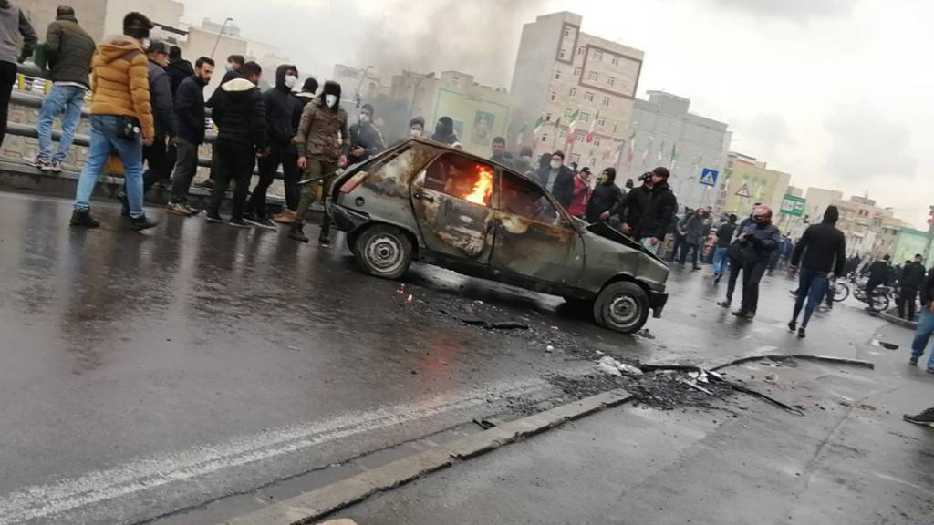 Tote und Verletzte nach Treibstoffpreiserhöhung im Iran