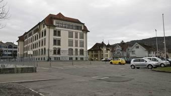 Genehmigt: Schulhausumgebung und Saalbauplatz werden neu. psi