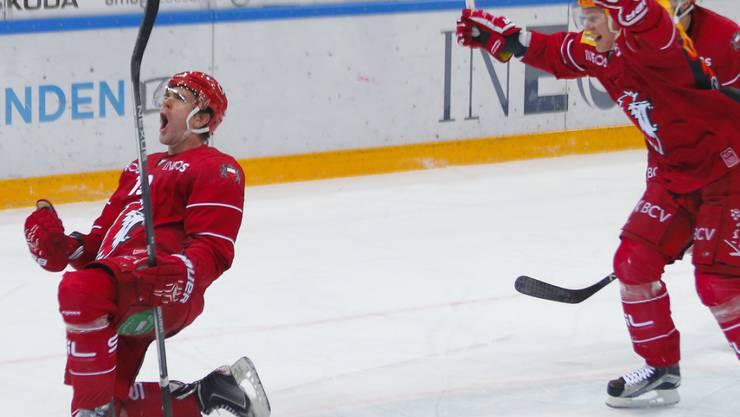 Unbelohnter Held: Trotz drei Toren von Joël Genazzi (li.) holte Lausanne gegen Davos nur einen Punkt