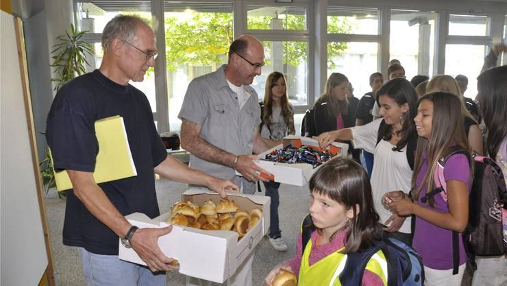 Kreisschule am Maiengrün: Den Schülern (im Bild bei der Schuljahreseröffnung im August 2010) gefällt's, in den Bereichen Schulführung und Qualitätsmanagement bestehen aber grosse Defizite. fam/archiv