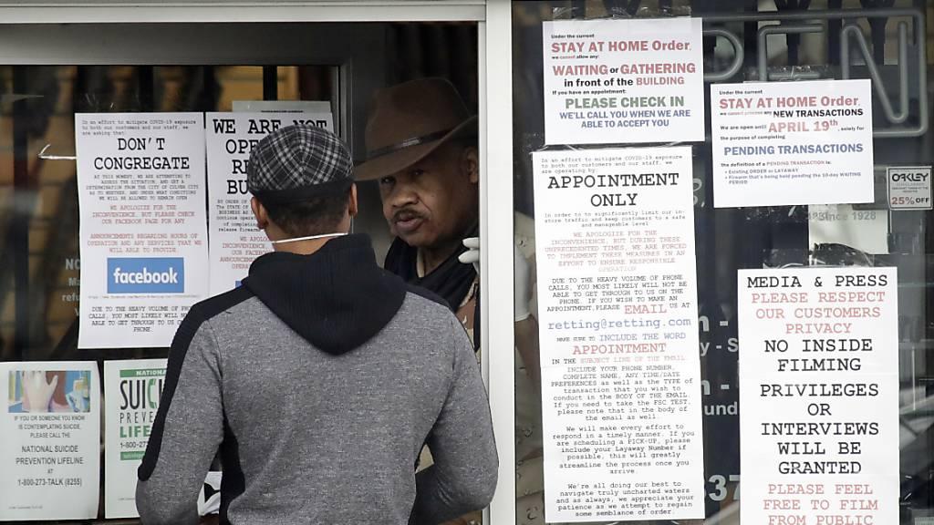 Los Angeles: Waffenläden müssen in Corona-Krise schliessen