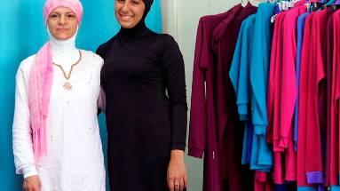 Aheda Zanetti (links) und ein Model im Burkini.ho