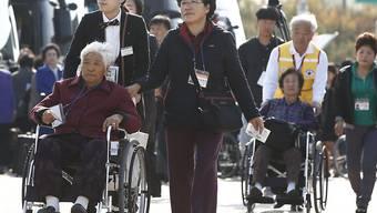 Teilnehmer der zweiten Runde von Familienzusammenführungen zwischen Süd- und Nordkorea.