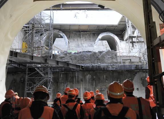 Die Eröffnung des Bahnhofs Löwenstrasse und des Weinbergtunnels ist für Mitte 2012 geplant.