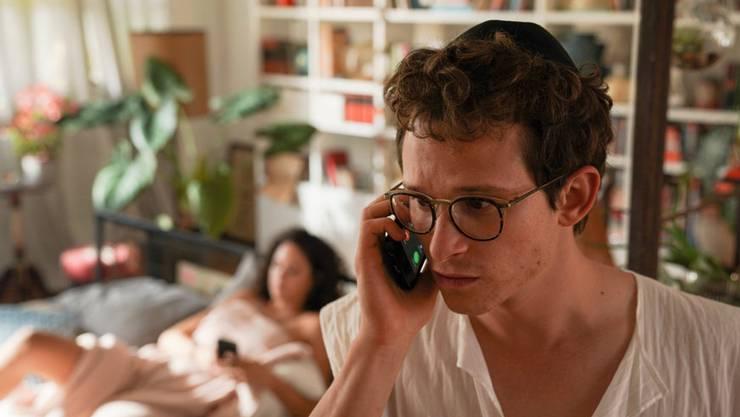 In Tel Aviv macht Motti erfolgreich Ferien von seinem krümeligen Zürcher Alltag.
