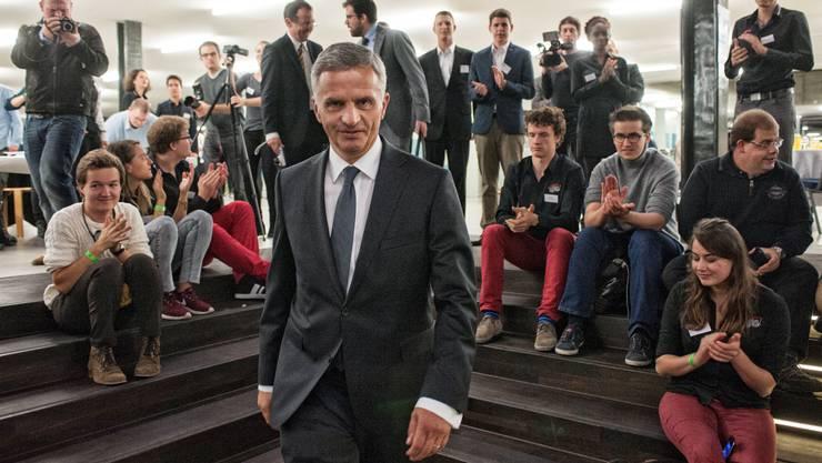 Didier Burkhalter auf einer Mission: dem Nachwuchs die Politik ans Herzen legen.