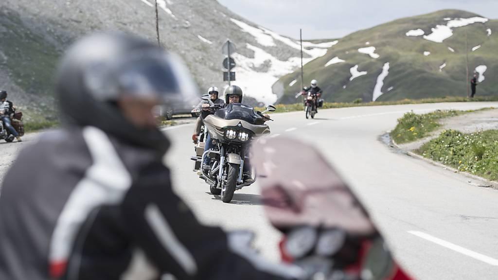 Mehrere Motorradunfälle am Wochenende im Kanton Uri