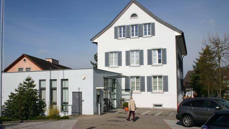 Gemeindehaus Uitikon: Die Verwaltung darf ihren Stellenplan erhöhen.