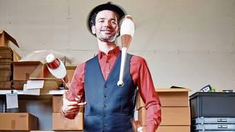 Kaspar Tribelhorn (35) alias «Starjongleur» in seinem Atelier im Rüetschi-Haus in Suhr.