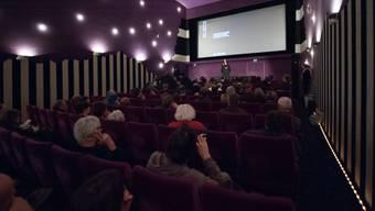 Im Kino werden die Sitze ausgetauscht. (Archiv)