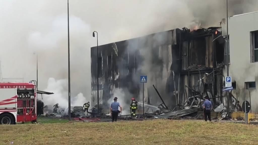 Touristenflugzeug in Mailand abgestürzt: Mindestens acht Tote - darunter ein Kind