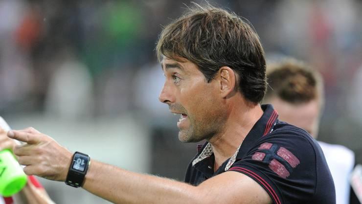 FC-Aarau-Trainer René Weiler treibte seine Mannschaft nach vorne.