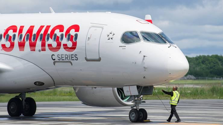 12 Swiss-Flugzeug heben wieder ab. (Archiv)