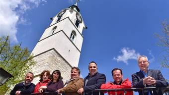 Verkörpern «Konzerte am Turm»; von links Andreas Stettler, Rita Ledermann, Nicole Trotter, Wolfgang Niklaus, Marcel Alberny, Klaus Kaiser und Christoph Rast.