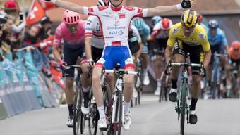 David Gaudu, ein Jungspund aus Frankreich, gewinnt die 3. Etappe der Tour de Romandie im Sprint