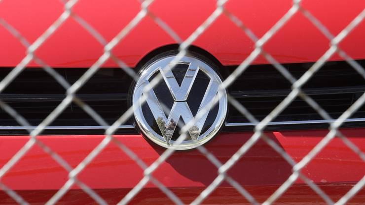 Ein Volkswagen Diesel hinter Gitter eines VW-Lagers in der Nähe von Salt Lake City, USA.