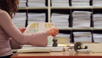 Ordnungs- und Rechtmässigkeit nur teilweise erfüllt: Die Finanzkontrolle will die Praxis bei Kantons- und Gemeindesteuern in vielen Punkten unter die Lupe nehmen.