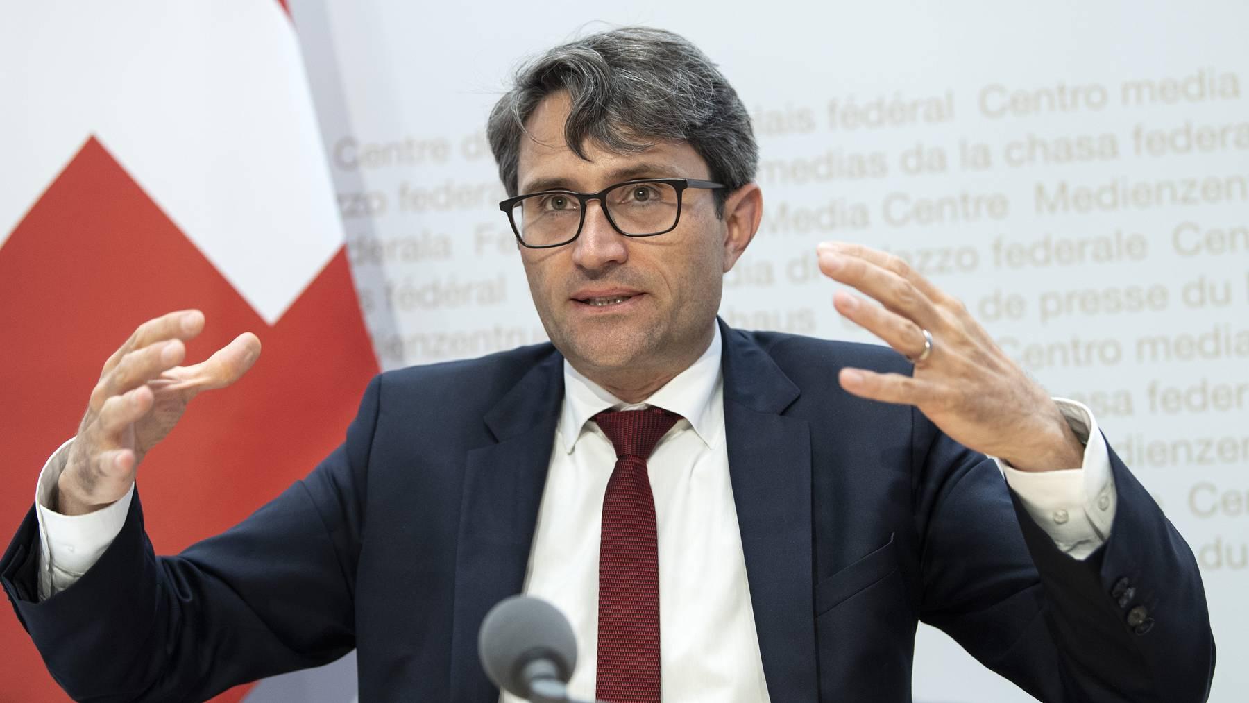 Lukas Engelberger,  Präsident der Konferenz der kantonalen Gesundheitsdirektorinnen und -direktoren (GDK), an einer Medienkonferenz.