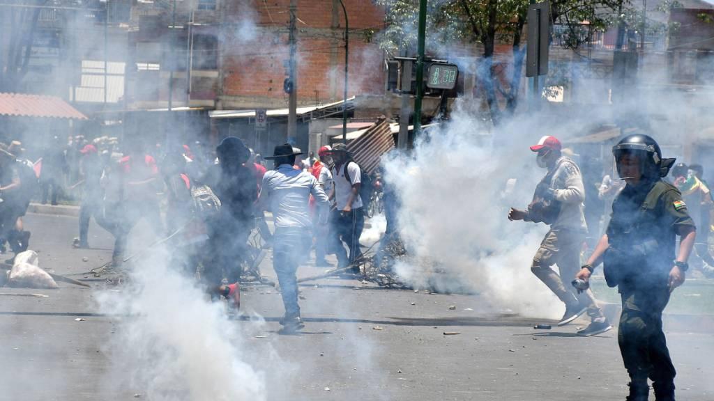 Dutzende Verletzte bei Zusammenstössen in Bolivien