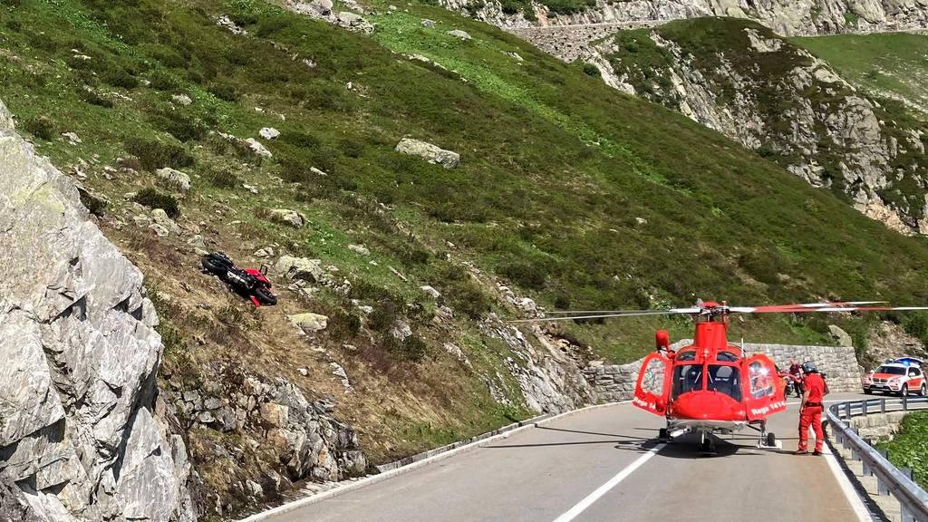 Töff-Fahrer stürzt am Sustenpass 50 Meter den Hang hinunter