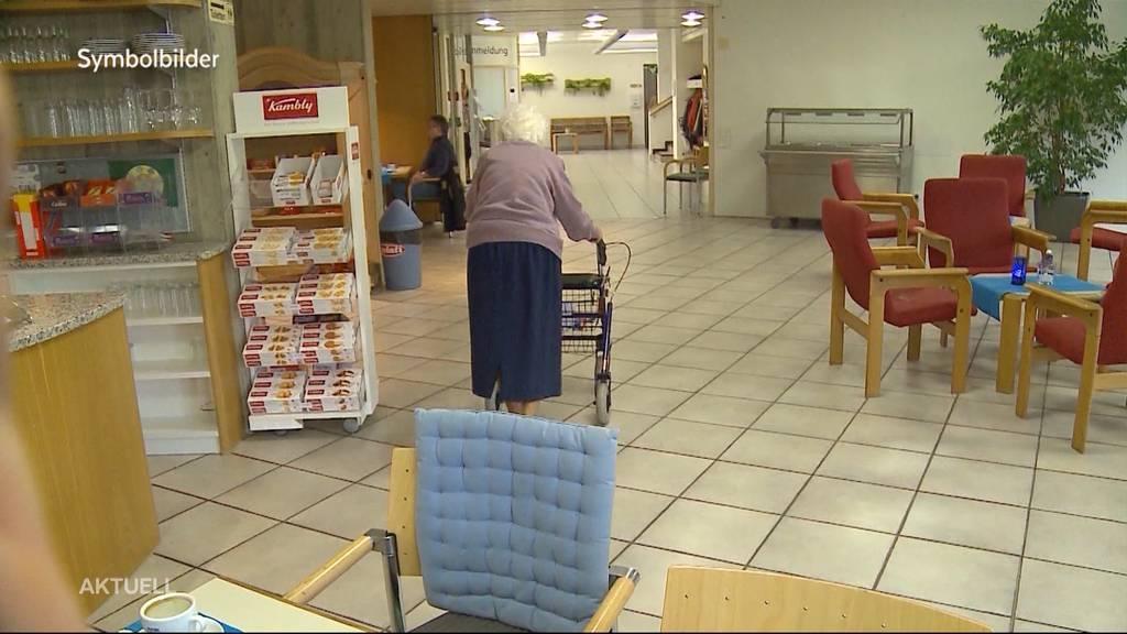 Besuche in Altersheimen sollen wieder erlaubt sein