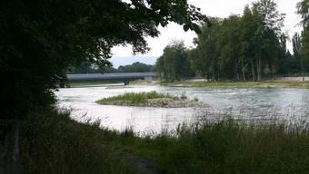 An der LImmat in Oberengstringen kann der Gemeinderat bald Bade- und Nackt-Sünneleverbote aussprechen. Die Gemeindeversammlung hat dem Vorhaben ihren Segen gegeben.