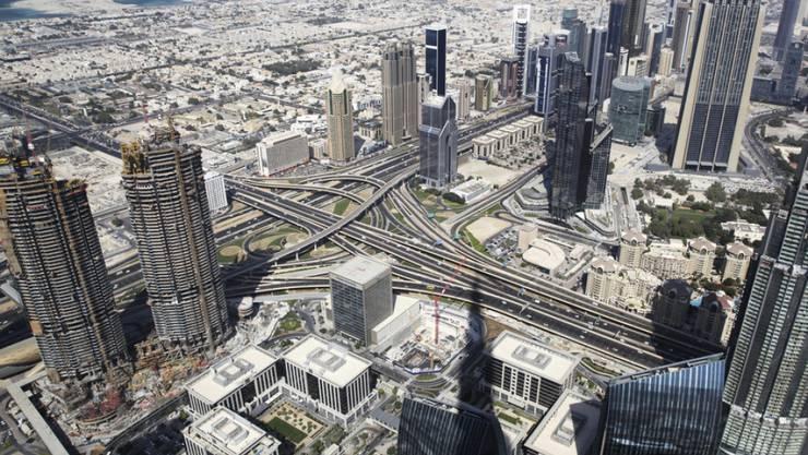 Blick auf Dubai vom Burj Khalifa-Wolkenkratzer aus, dem bislang höchsten Bauwerk der Welt. Hier soll die Weltausstellung 2020 stattfinden. (Archiv)