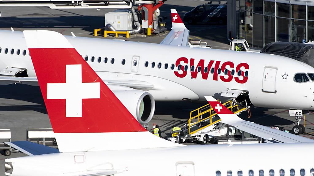 Die Swiss-Maschinen nach Italien bleiben mindestens bis Anfang April am Boden: Flugzeuge am Flughafen Genf. (Archivbild)