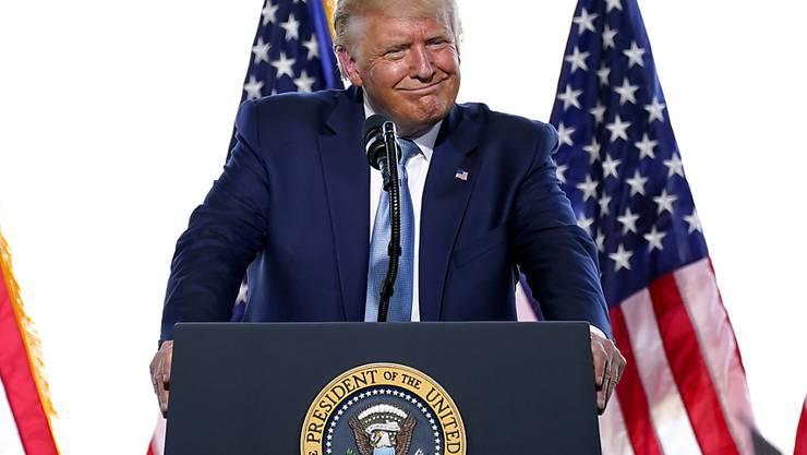 US-Präsident Donald Trump behauptet, dass eine Abstimmung per Briefwahl das Tor für massiven Wahlbetrug öffnen werde. Foto: Matt York/AP/dpa