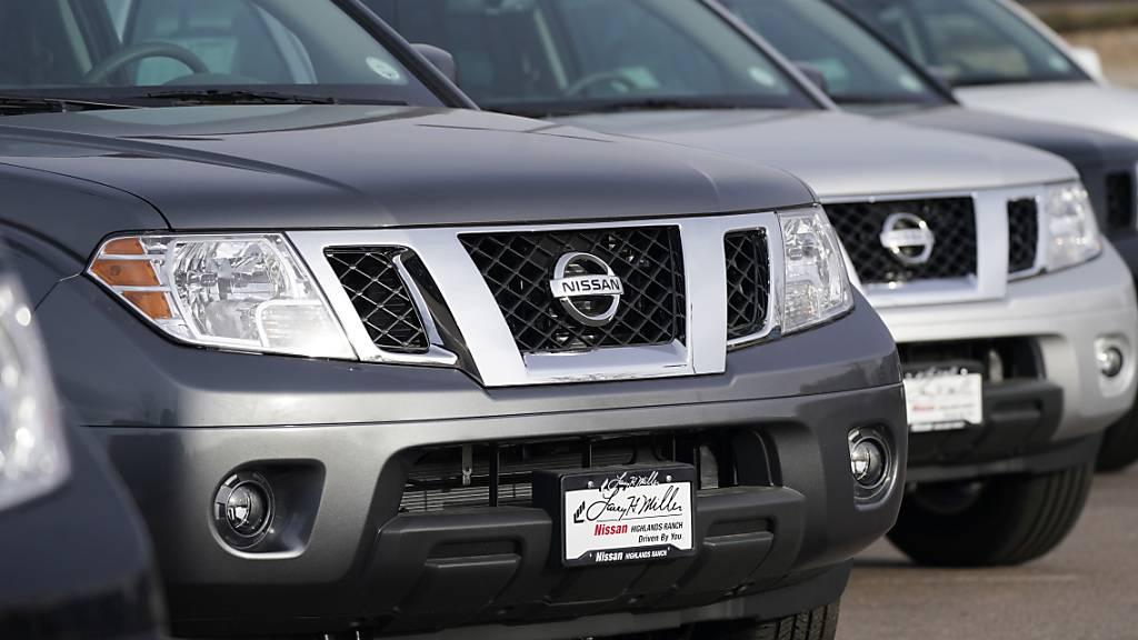 Der japanische Autobauer Nissan hat in den ersten neun Monaten per Ende Dezember weniger verkauft und einen hohen Verlust eingefahren. Zuletzt hat sich die Lage an den Absatzmärkten etwas entspannt.(Archivbild)