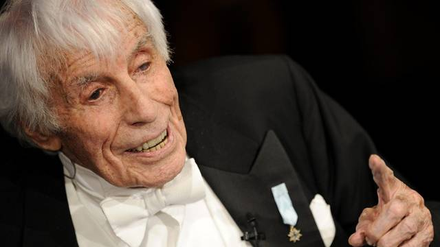 Johannes Heesters ist 108 Jahre alt und es geht ihm gut (Archiv)