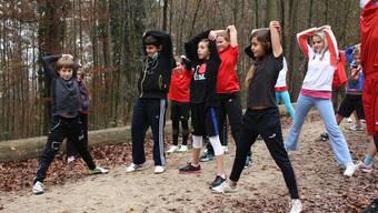 Schüler trainieren für den Zürcher Silvesterlauf