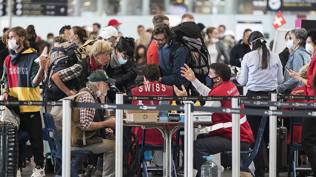 Schweiz holt weitere Reisende zurück