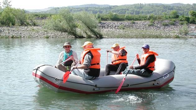Freizeit und Tourismus am Hochrhein: Flussführer für Paddler ist während des Projekts «Erlebnisraum Hochrhein» entstanden. – Foto: chr