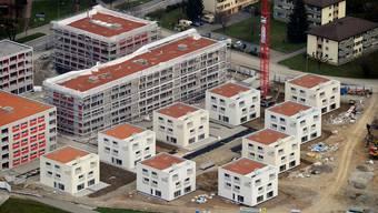 Wüest & Partner sehen aktuell die grösste Gefahr im ungebremsten Neubau von Mehrfamilienhäusern.  key