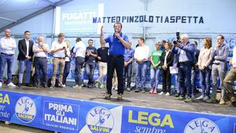 Salvini bei einem Lega-Anlass Ende August in Pinzolo. Seine Partei muss dem Fiskus wegen Veruntreuung jedes Jahr 600'000 Euro zurückzahlen. (Archivbild)