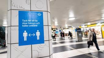 Schweden reagiert auf die Pandemie-Situation und verschärft die Massnahmen.