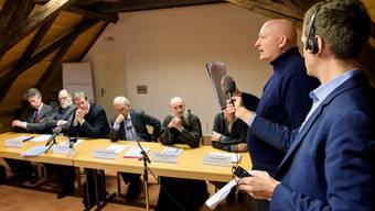 Daniel Pittet (ganz rechts), der die Missbräuche publik machte, war in Freiburg bei der Präsentation der unabhängigen Untersuchung dabei.