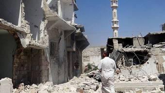 Zerstörte Wohnhäuser nach einem Luftangriff in Sarmeen