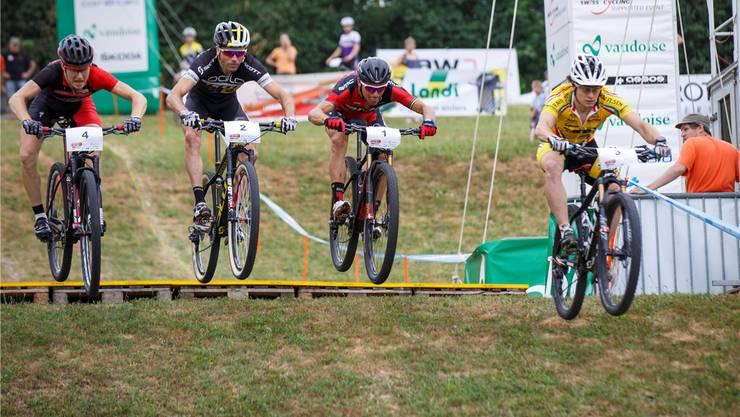 Schon 2015 massen sich die Biker in einem Eliminator-Rennen in Langendorf.