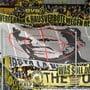 Werden im Bundesliga-Spitzenspiel vom Samstag erneut Schmäh-Transparente gegen Dietmar Hopp zu sehen sein?